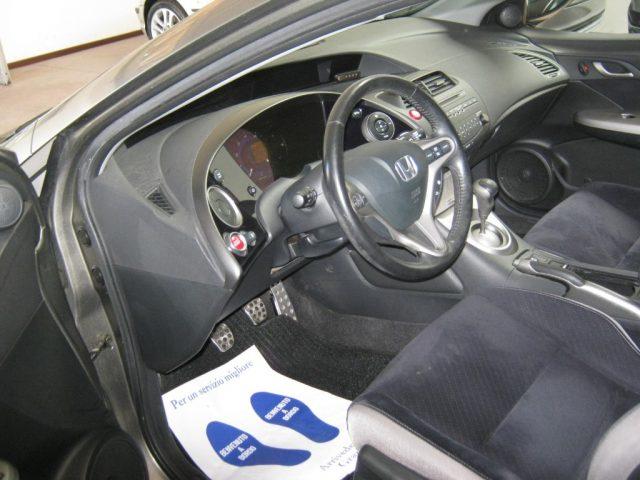 HONDA Civic 1.8 i-VTEC 5p. Sport Immagine 4