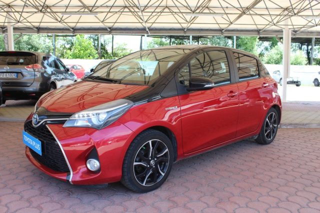 TOYOTA Yaris 1.5 Hybrid 5 porte Trend 'Red Edition' Immagine 1