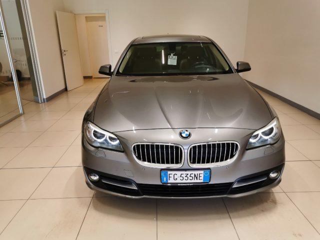 BMW 520 d Touring Luxury Immagine 1