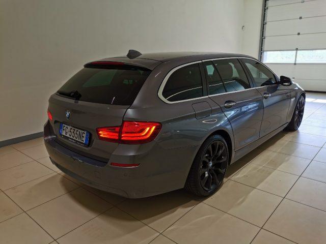 BMW 520 d Touring Luxury Immagine 3