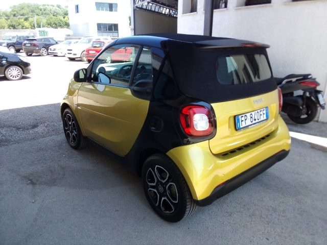 SMART ForTwo 70 1.0 twinamic cabrio Passion Immagine 3
