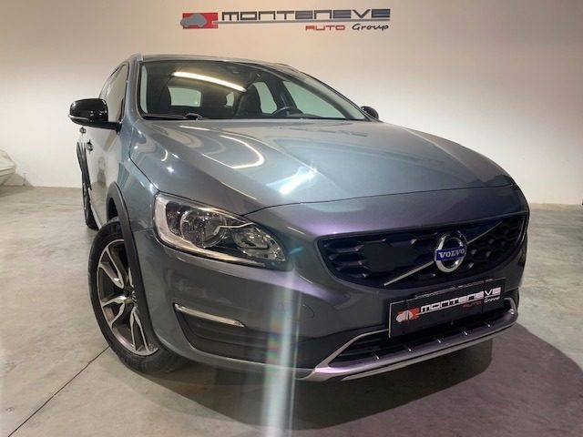 VOLVO V60 Cross Country Grigio pastello
