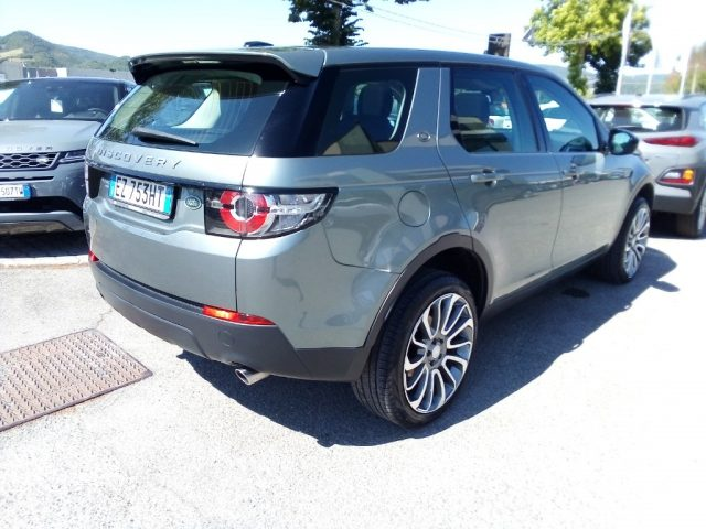 LAND ROVER Discovery Sport 2.2 TD4 S Immagine 2