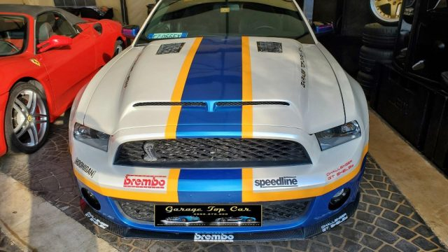 FORD Mustang Nero pastello