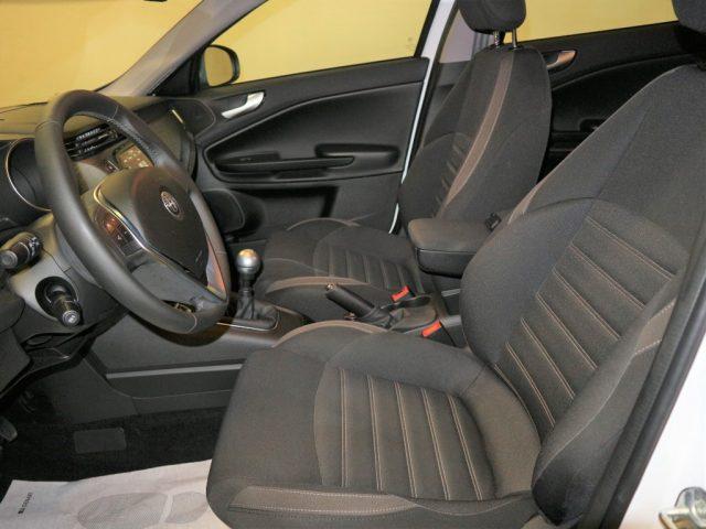 "ALFA ROMEO Giulietta 1.6 JTDm 120 CV NAVI DAB CL 17"" S. PARK ANT/POST Immagine 2"