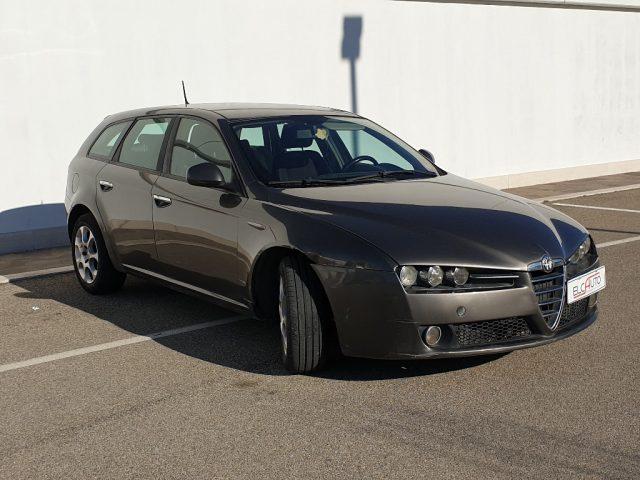 ALFA ROMEO 159 1.9 JTDm 16V Sportwagon Exclusive Immagine 2
