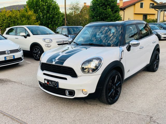 MINI Countryman Bianco pastello