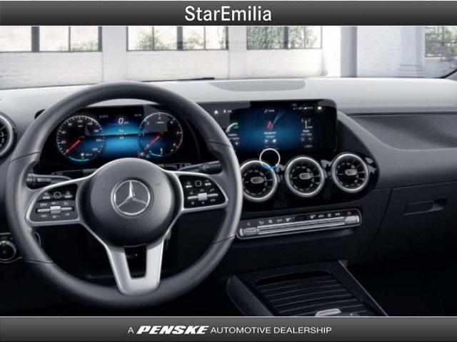 MERCEDES-BENZ GLA 200 d Automatic Sport Plus Immagine 2