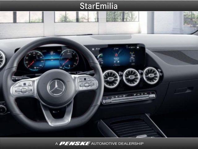 MERCEDES-BENZ GLA 200 d Automatic 4Matic Premium Immagine 2