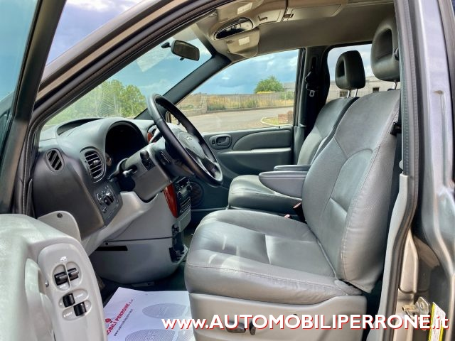CHRYSLER Voyager 2.8 CRD Limited Auto Immagine 4