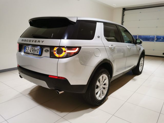 LAND ROVER Discovery Sport 2.2 TD4 HSE Immagine 3