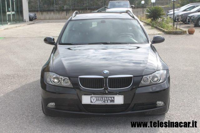 BMW 320 d cat Touring Futura Immagine 1