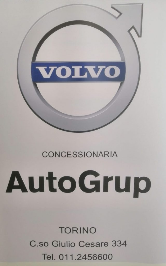 VOLVO XC60 D4 AWD Geartronic Business Immagine 1