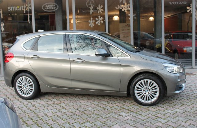 BMW 214 d Active Tourer Luxury Immagine 2