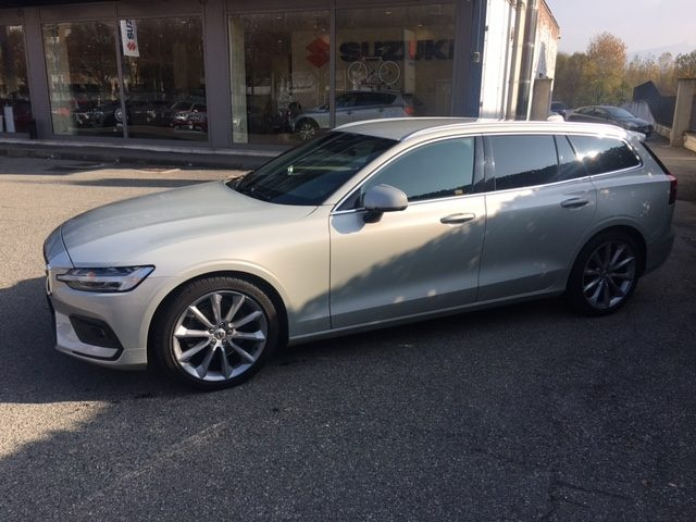 VOLVO V60 D4 Geartronic Business Plus Immagine 0