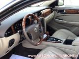 JAGUAR XJ 2.7 D V6 Executive Restyling - Service Book Jaguar