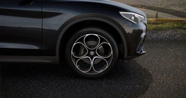 ALFA ROMEO Stelvio 2.2 Turbodiesel 210 CV AT8 Q4 Veloce TETTO APRBILE Immagine 3