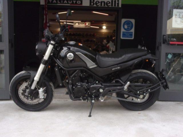 BENELLI Leoncino 500 .
