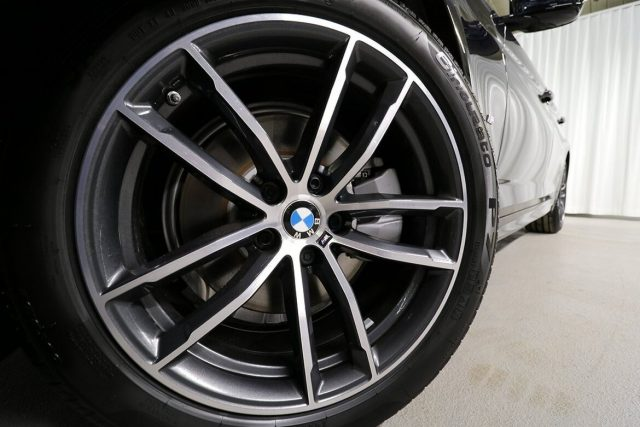 BMW 520 D XDrive 48V MSPORT HYBRID MY 2021 gancio traino Immagine 4