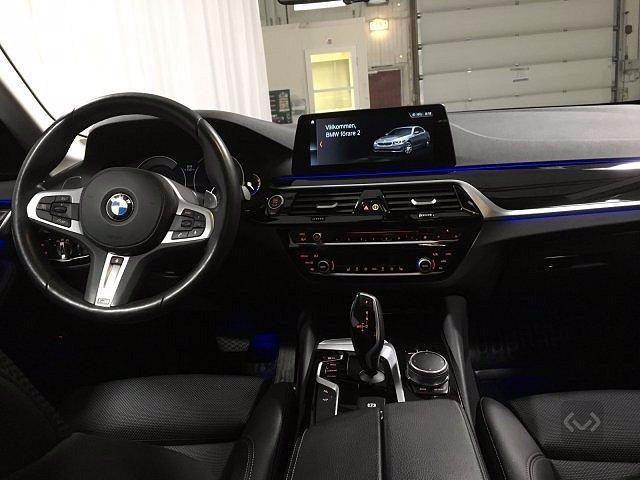 BMW 520 d xDrive Sport + gancio traino + telecamera Immagine 3