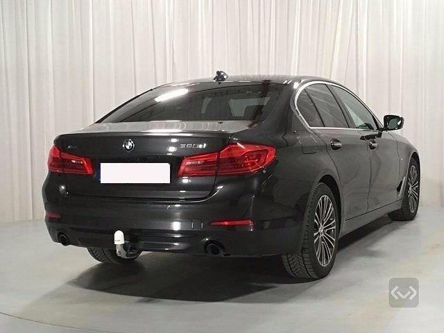BMW 520 d xDrive Sport + gancio traino + telecamera Immagine 2