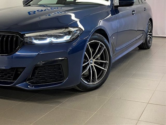 BMW 520 D XDrive Touring 48V MSPORT HYBRID MY 2021 gancio Immagine 1