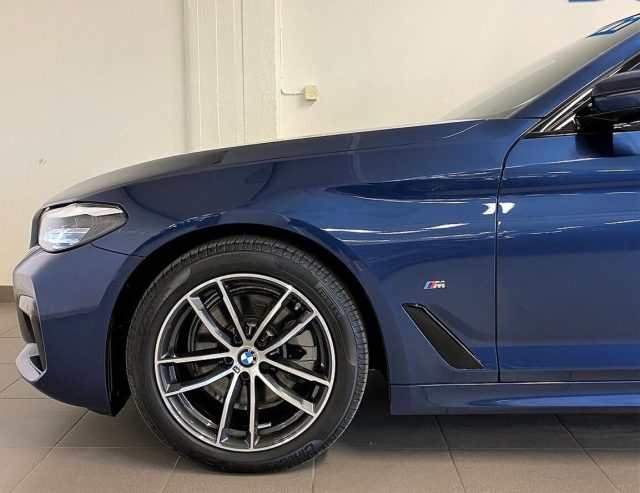 BMW 520 D XDrive Touring 48V MSPORT HYBRID MY 2021 gancio Immagine 2