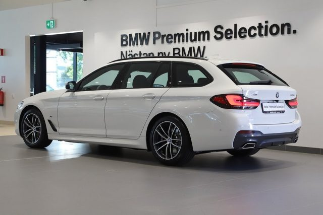 BMW 520 D XDrive Touring 48V MSPORT HYBRID MY 2021 gancio Immagine 1