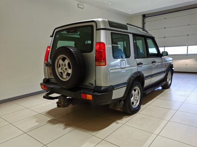 LAND ROVER Discovery 2.5 Td5 5 porte Luxury Immagine 4