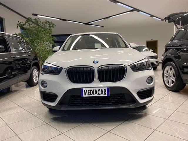 BMW X1 sDrive16d Business Immagine 1