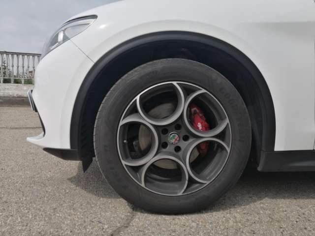 ALFA ROMEO Stelvio 2.2 Turbodiesel 160 CV AT8 RWD sport tech Immagine 2