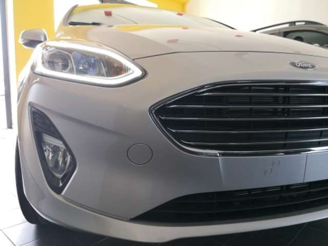 FORD Fiesta 1.1 75 CV 5 porte Titanium Immagine 4