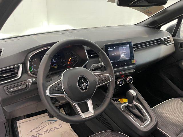 RENAULT Clio Hybrid E-Tech 140 CV 5 porte Intens Immagine 3