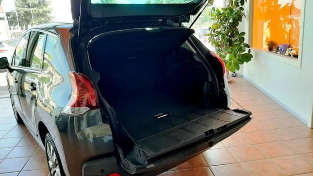 PEUGEOT 3008 BlueHDi 120 S&S Allure NAVY  AUTOCARRO 5 POSTI Immagine 4