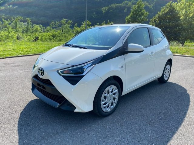 TOYOTA Aygo Connect 1.0 72CV 5 porte x-cool Immagine 4