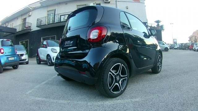 SMART ForTwo 70-33%PASSION PACK SPORT+PACK LED+PACK COMFORT Immagine 3