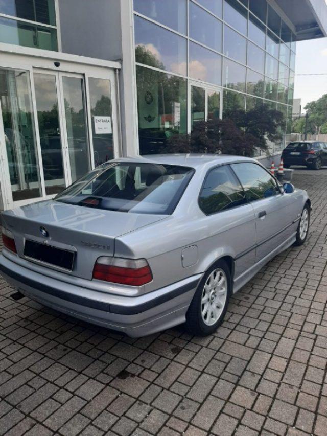 BMW 320 i 24V cat Coupé Immagine 3