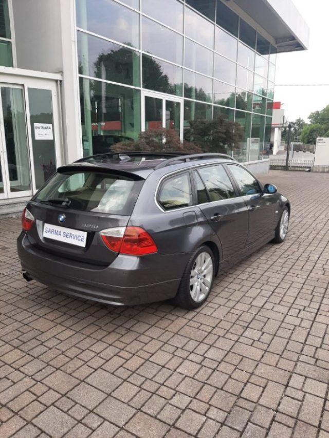 BMW 325 i cat Touring Futura Immagine 3