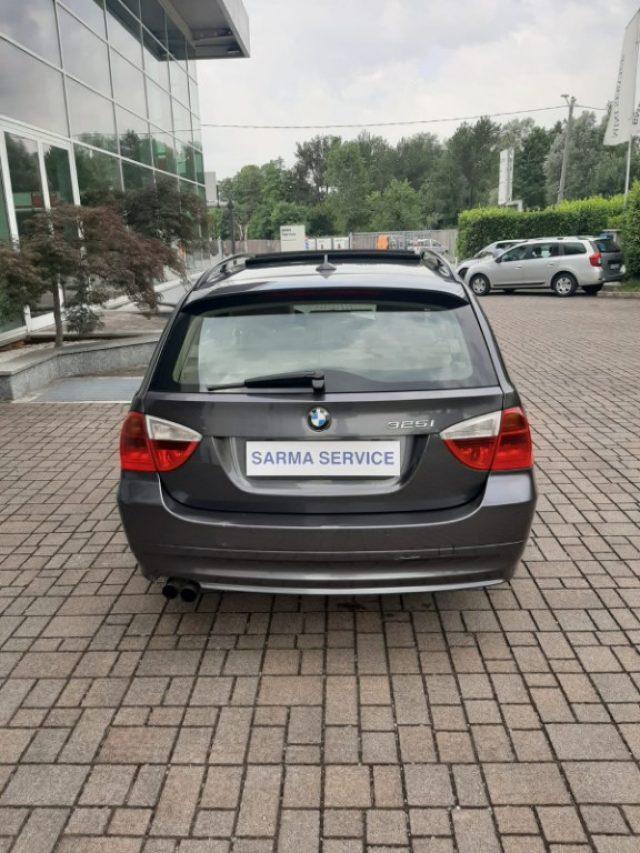 BMW 325 i cat Touring Futura Immagine 4