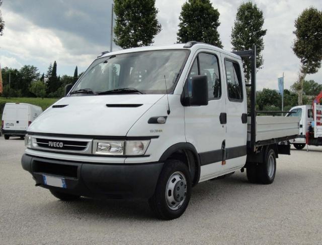 IVECO Daily Daily 35C10 2.3 Hpi doppia cabina 6+1 Immagine 2