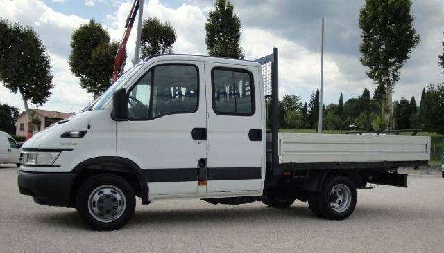 IVECO Daily Daily 35C10 2.3 Hpi doppia cabina 6+1 Immagine 0