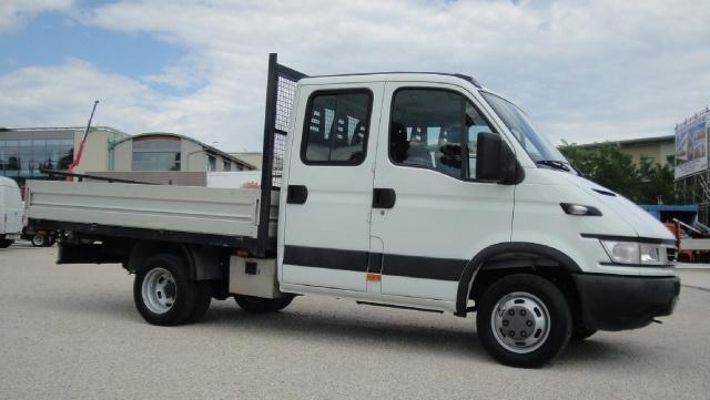 IVECO Daily Daily 35C10 2.3 Hpi doppia cabina 6+1 Immagine 1