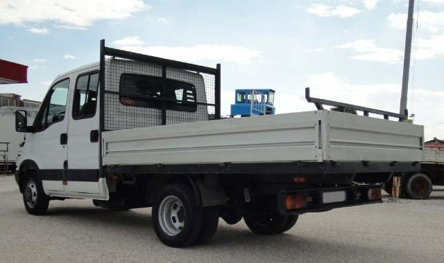IVECO Daily Daily 35C10 2.3 Hpi doppia cabina 6+1 Immagine 3