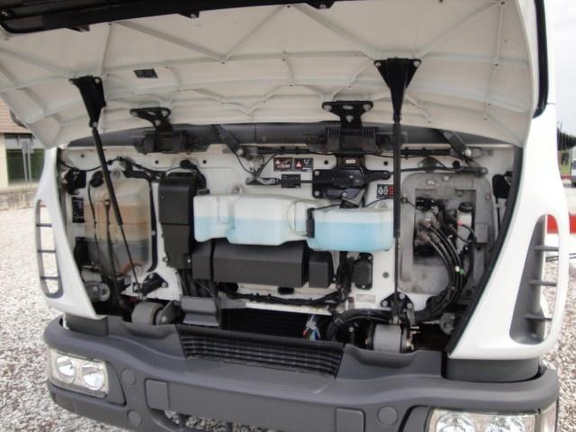 IVECO LKW/TRUCKS Eurocargo 75E15 con gru e ribaltabile Immagine 4