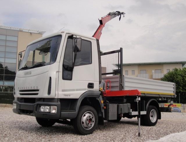 IVECO LKW/TRUCKS Eurocargo 75E15 con gru e ribaltabile Immagine 0