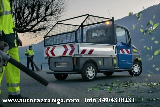 AIXAM Mega PIANALE RIBALTABILE 400 DIESEL PRONTA CONSEGNA Immagine 3