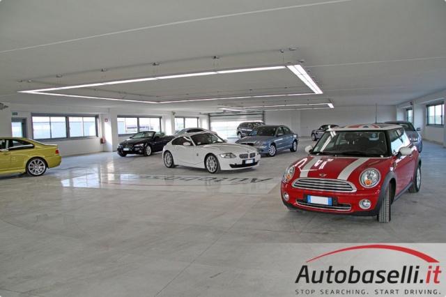 BMW 520 E90 COMPRO AUTO PAGAMENTO IN CONTANTI Immagine 4