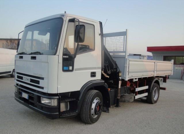 IVECO Eurocargo 120E23 con gru e ribaltabile Immagine 0