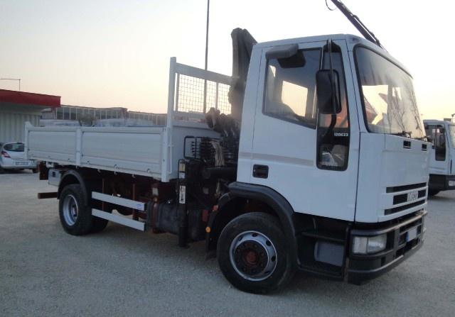 IVECO Eurocargo 120E23 con gru e ribaltabile Immagine 1
