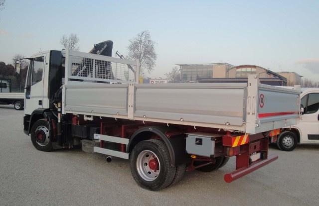 IVECO Eurocargo 120E23 con gru e ribaltabile Immagine 3